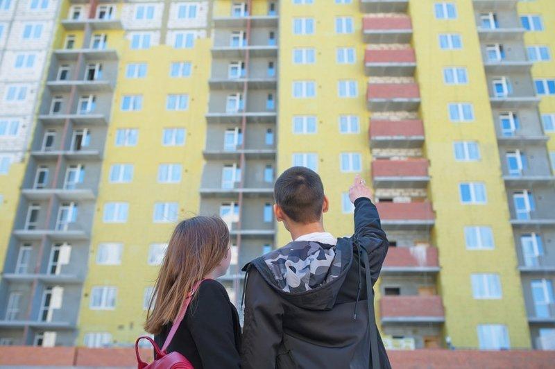 Удрать от родителей и жить отдельно: как парень с завода и выпускница вуза искали первую квартиру