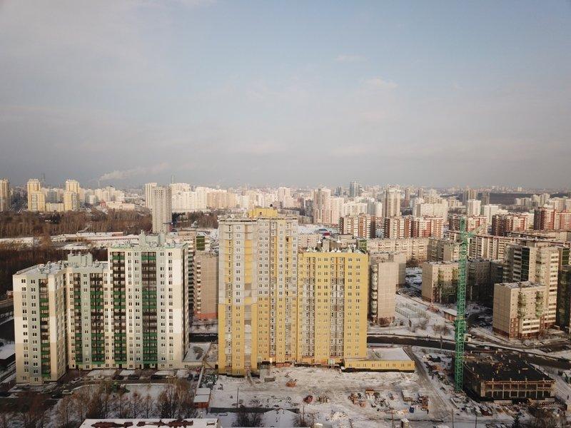 Пока все отдыхали, они отливали бетон: как выглядит одна из самых стремительных строек Екатеринбурга